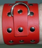 1 Paar die neuen praktischen Handfesseln mit Rollschnallen, D-Ring und Ziernieten in verschiedenen Farbvariationen